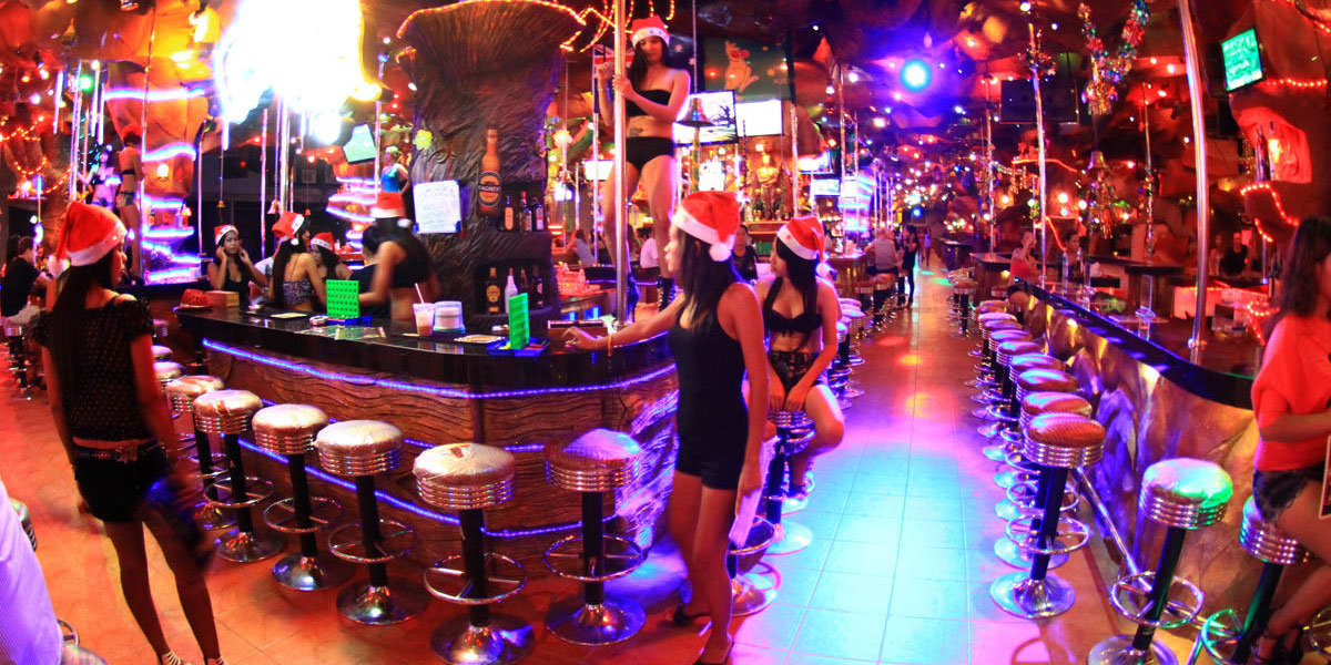 My experience DATING a Thai prostitute in Phuket's sex capital, Patong